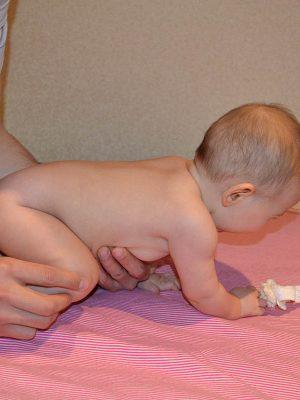 Сколько делать массаж детям до года